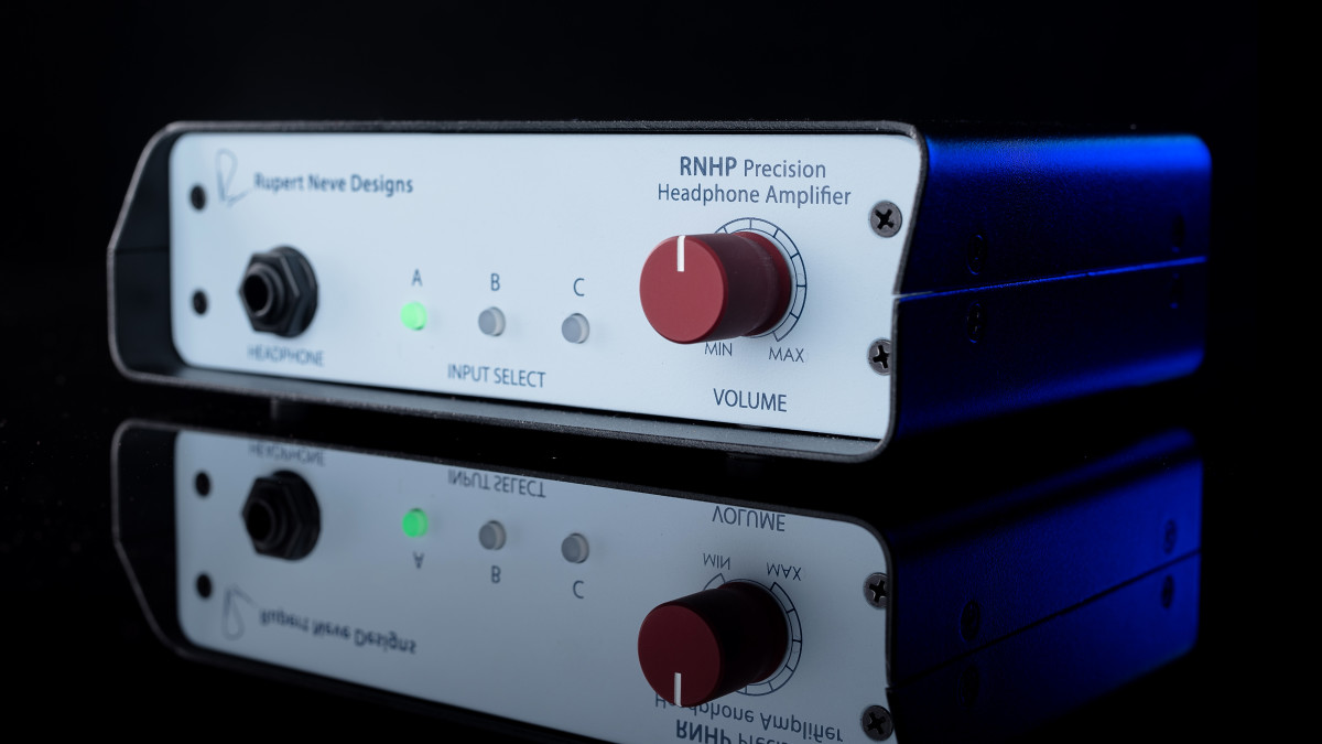 Hi-Fi News on the RNHP headphone amp